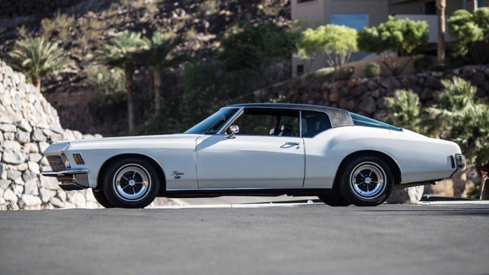 1971 Buick Riviera side profile