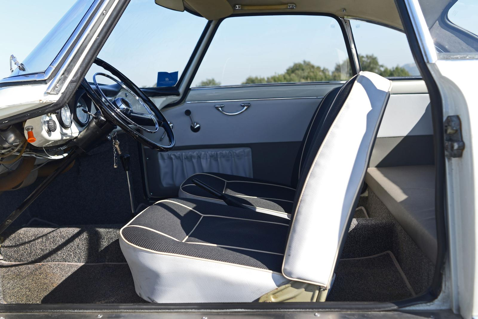 1966 NSU Sport Prinz Coupé interior seats
