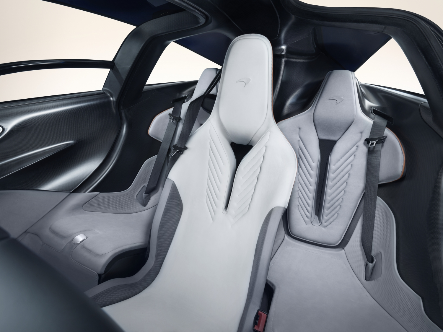 McLaren Speedtail interior middle seats