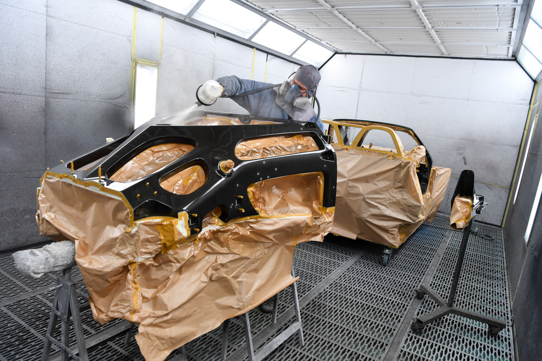 Porsche classic Carrera GT restoration green chassis paint
