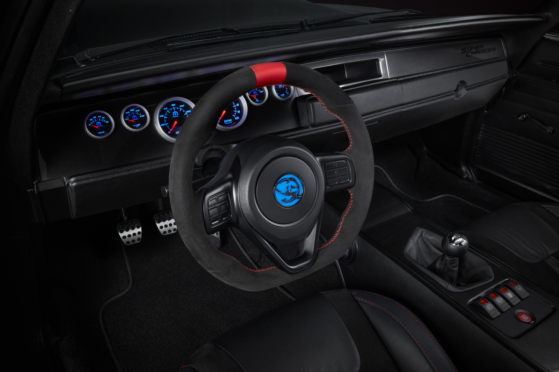 Dodge SRT Hellephant crate engine steering wheel