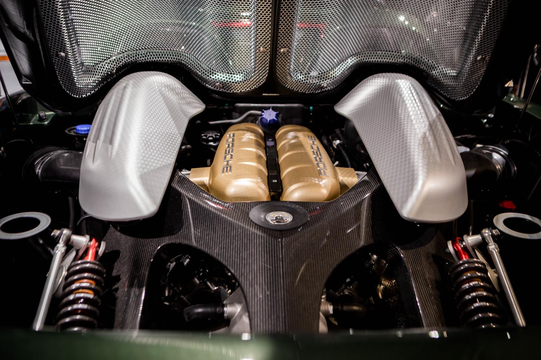 Porsche classic Carrera GT restoration engine