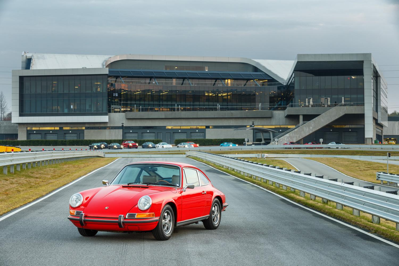 Porsche Classic red 911