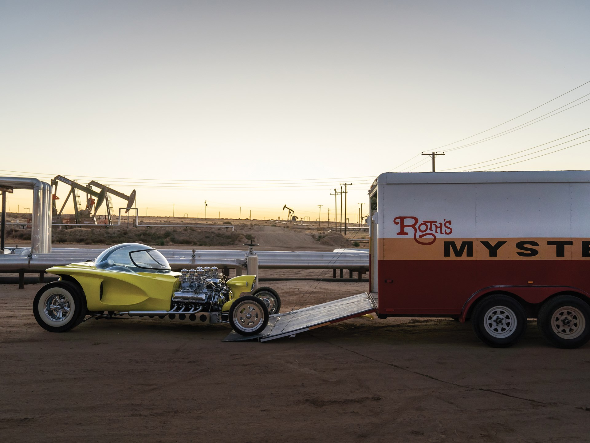 """1962 Ed Roth """"Mysterion"""" Recreation loading on trailer"""