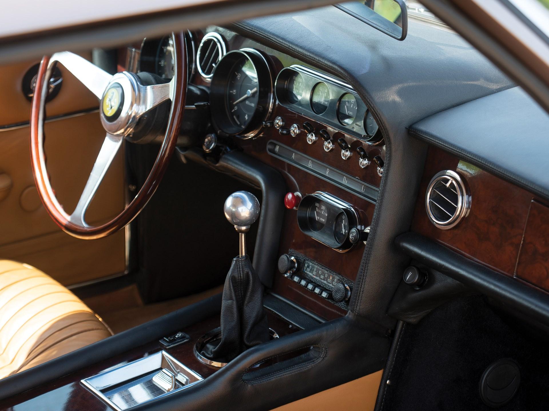 1965 Ferrari 330 GT 2+2 Shooting Brake gear shift
