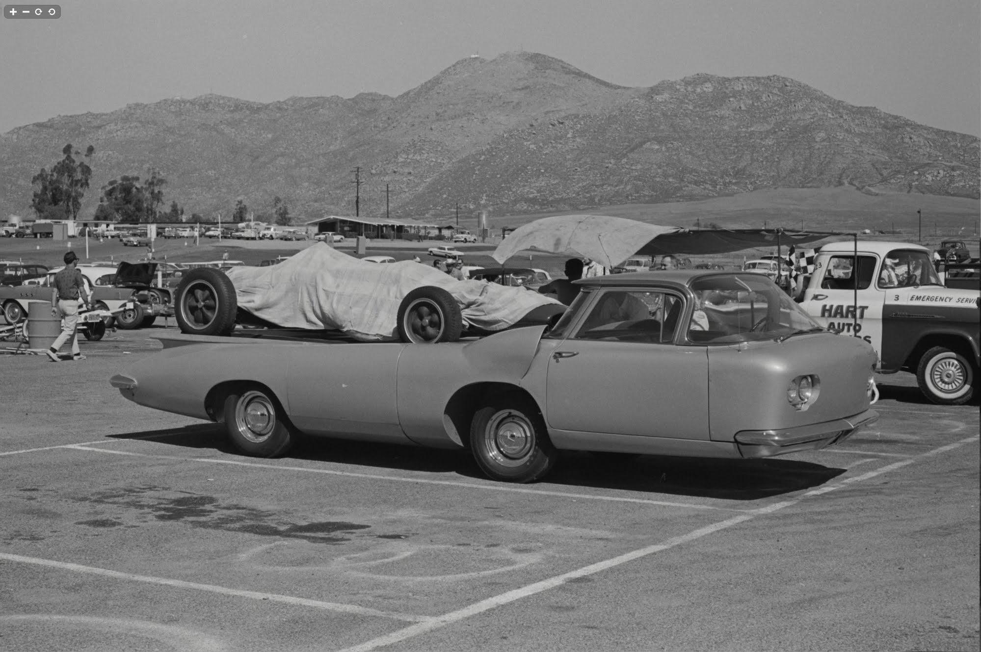 Cheetah Transporter covered race car hauler