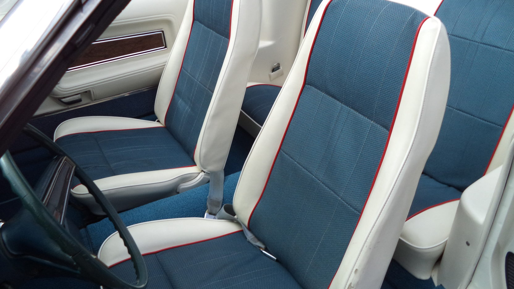 1972 Ford Mustang Sprint USA front seats