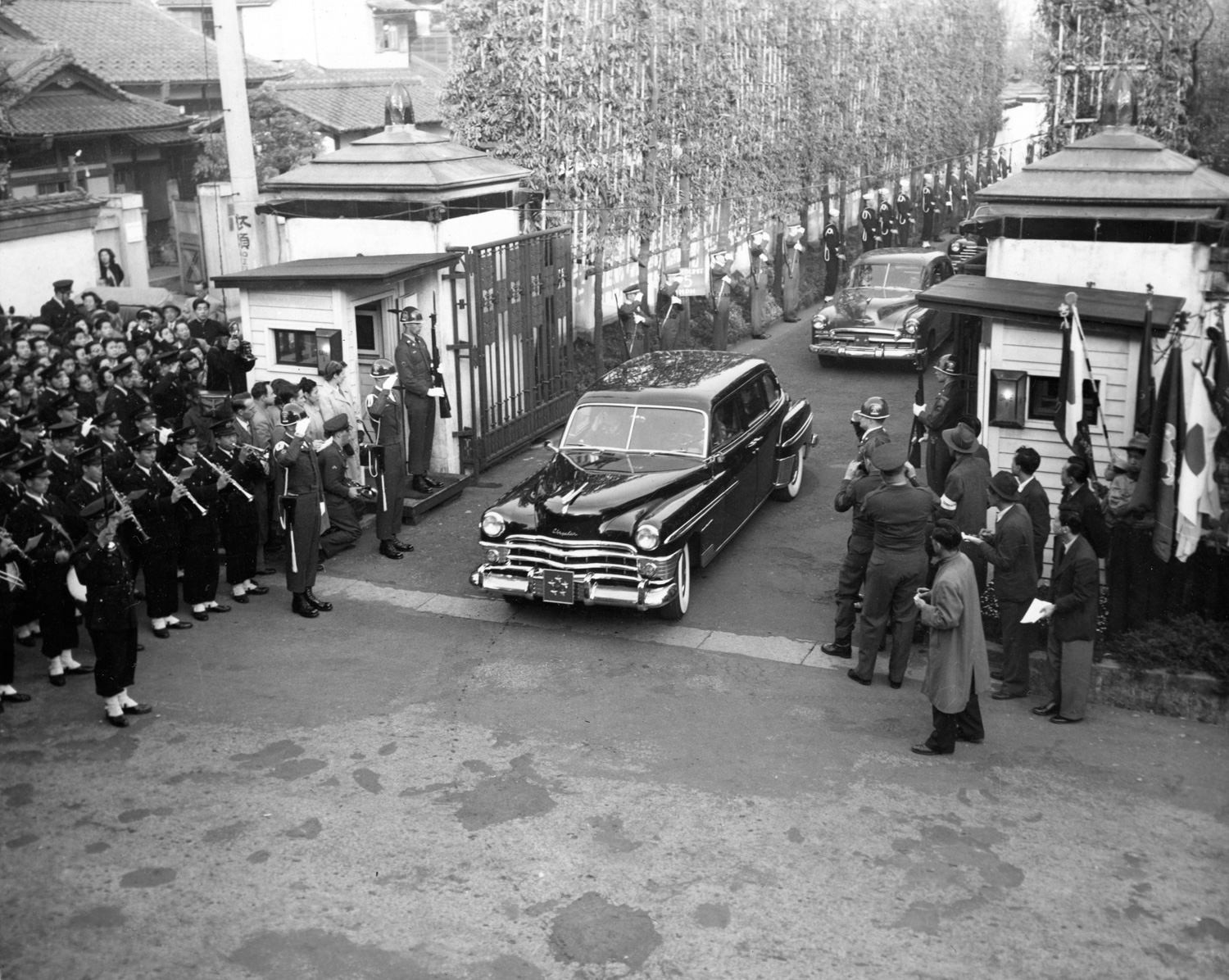General MacArthur's 1950 Chrysler Crown Imperial limo served its country well