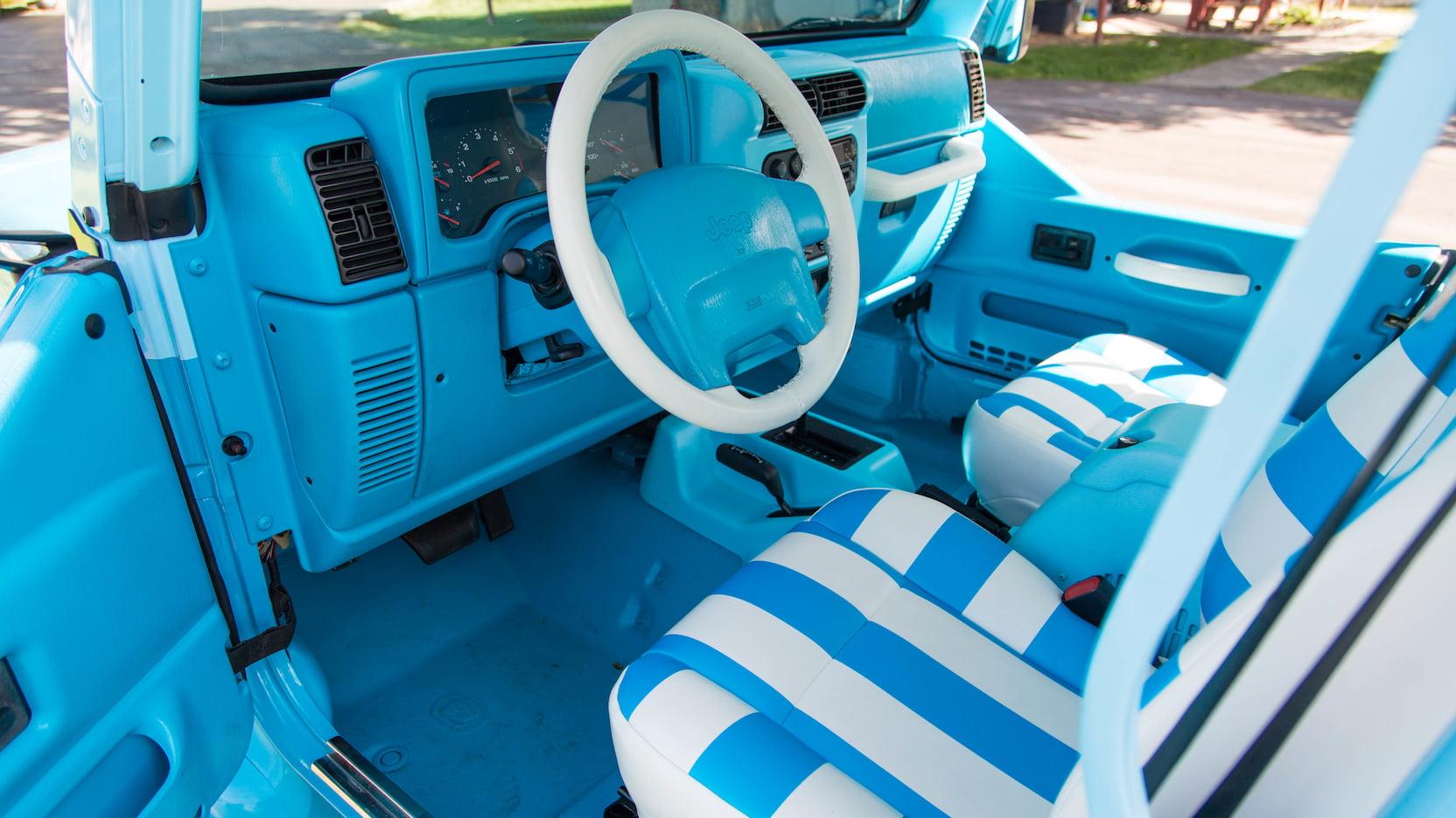 2004 Jeep Wrangler interior drivers