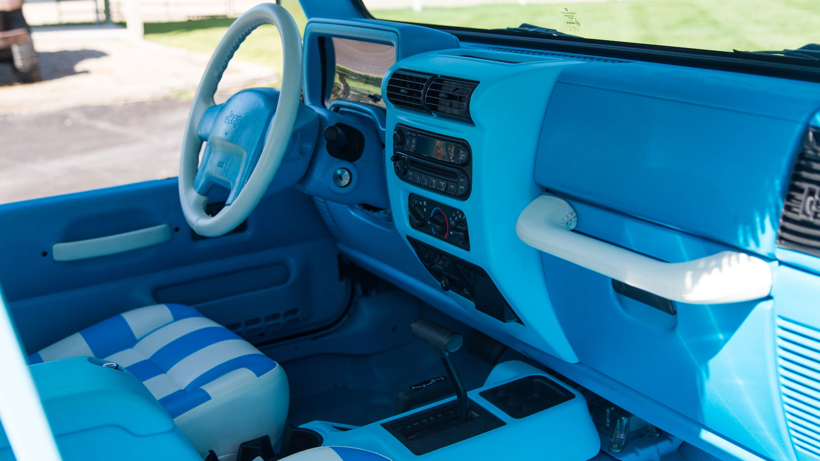 2004 Jeep Wrangler interior passenger