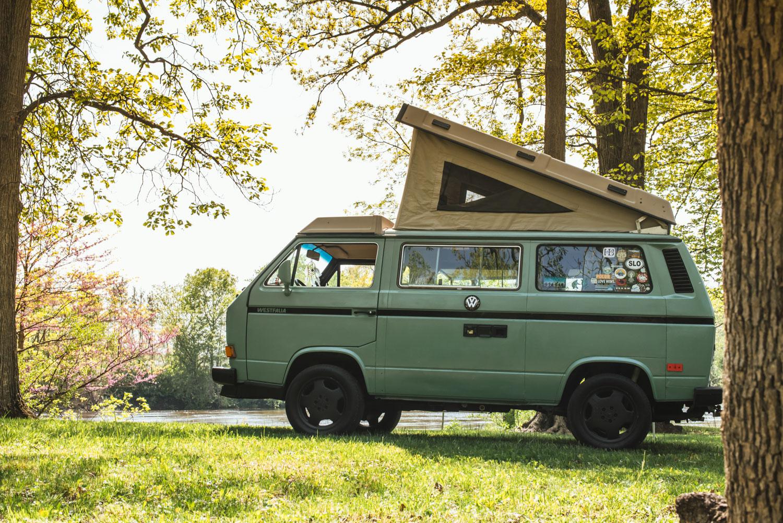 1985 Volkswagen Vanagon Westfalia side tent up