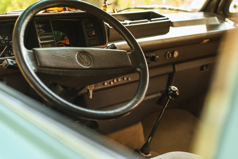 1985 Volkswagen Vanagon Westfalia steering wheel shifter