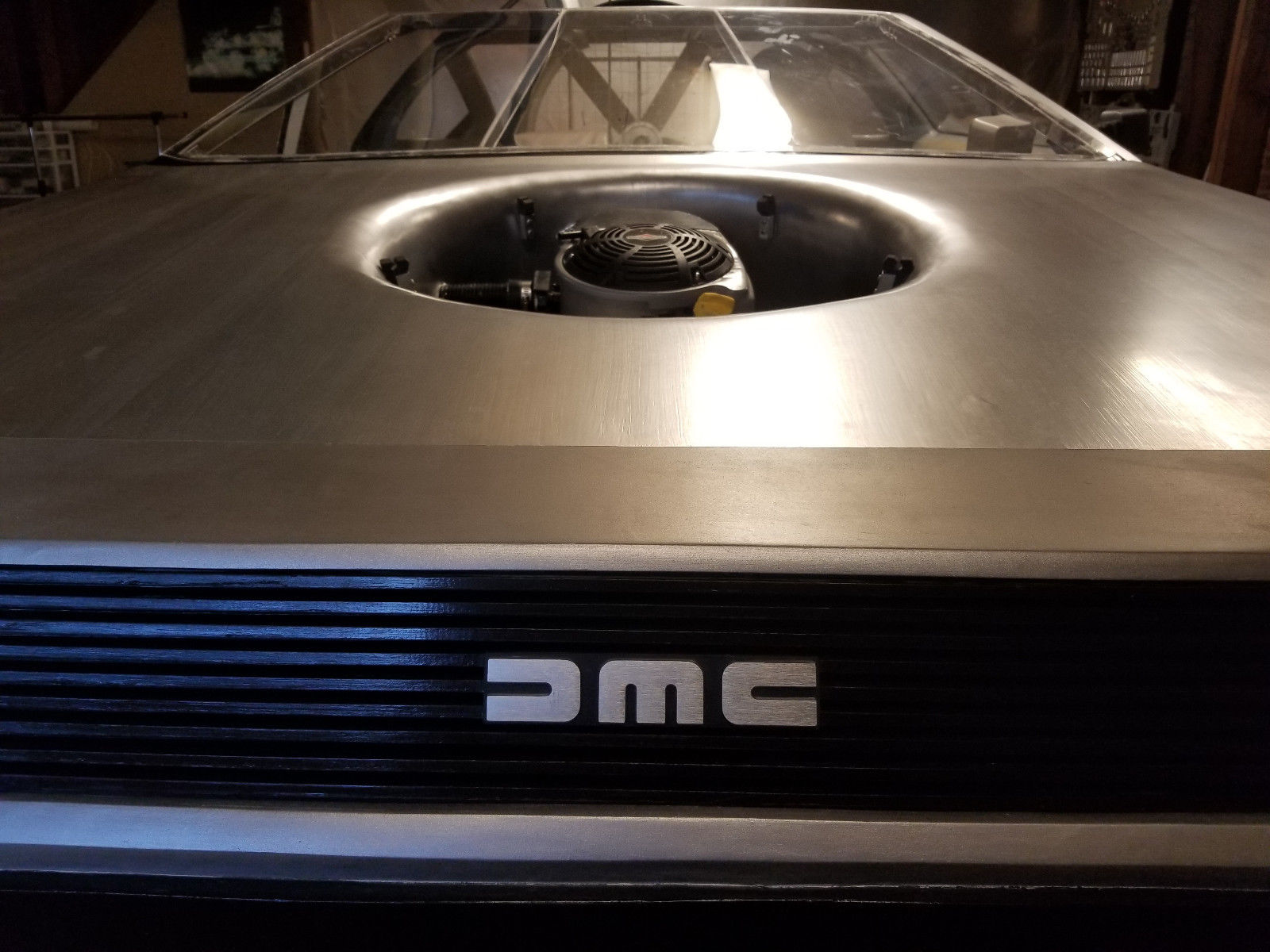 delorean hovercraft front engine