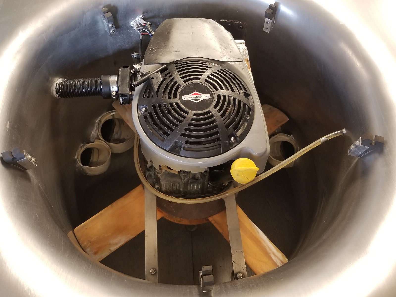 delorean hovercraft front fan engine