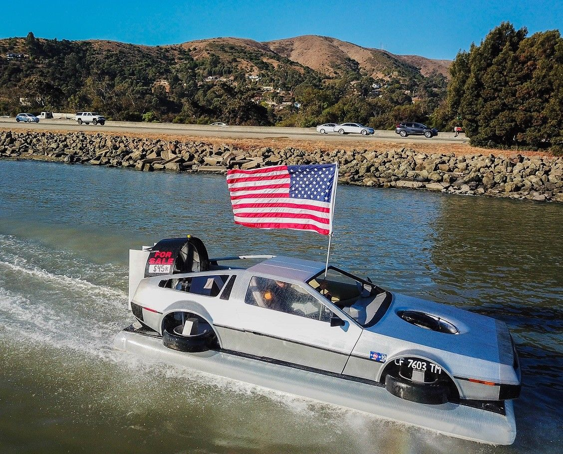 delorean hovercraft american flag
