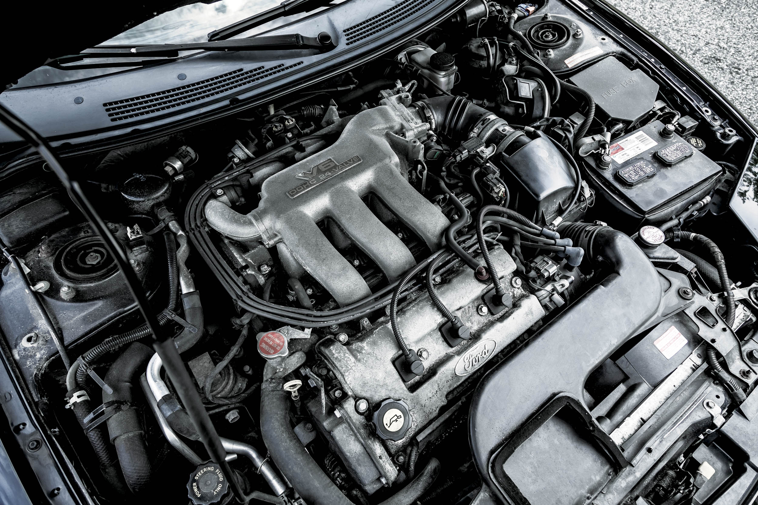The Probe's DOHC 2.5-liter V-6 with an aluminum block and heads is a rev-happy gem. It makes its full 164 horsepower at 5600 rpm, with a redline of 7000 rpm.