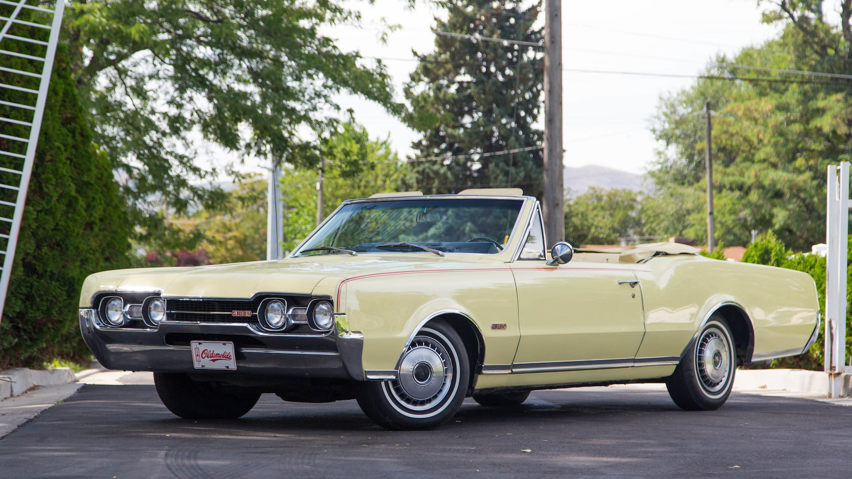 1967 Oldsmobile 4-4-2 Convertible