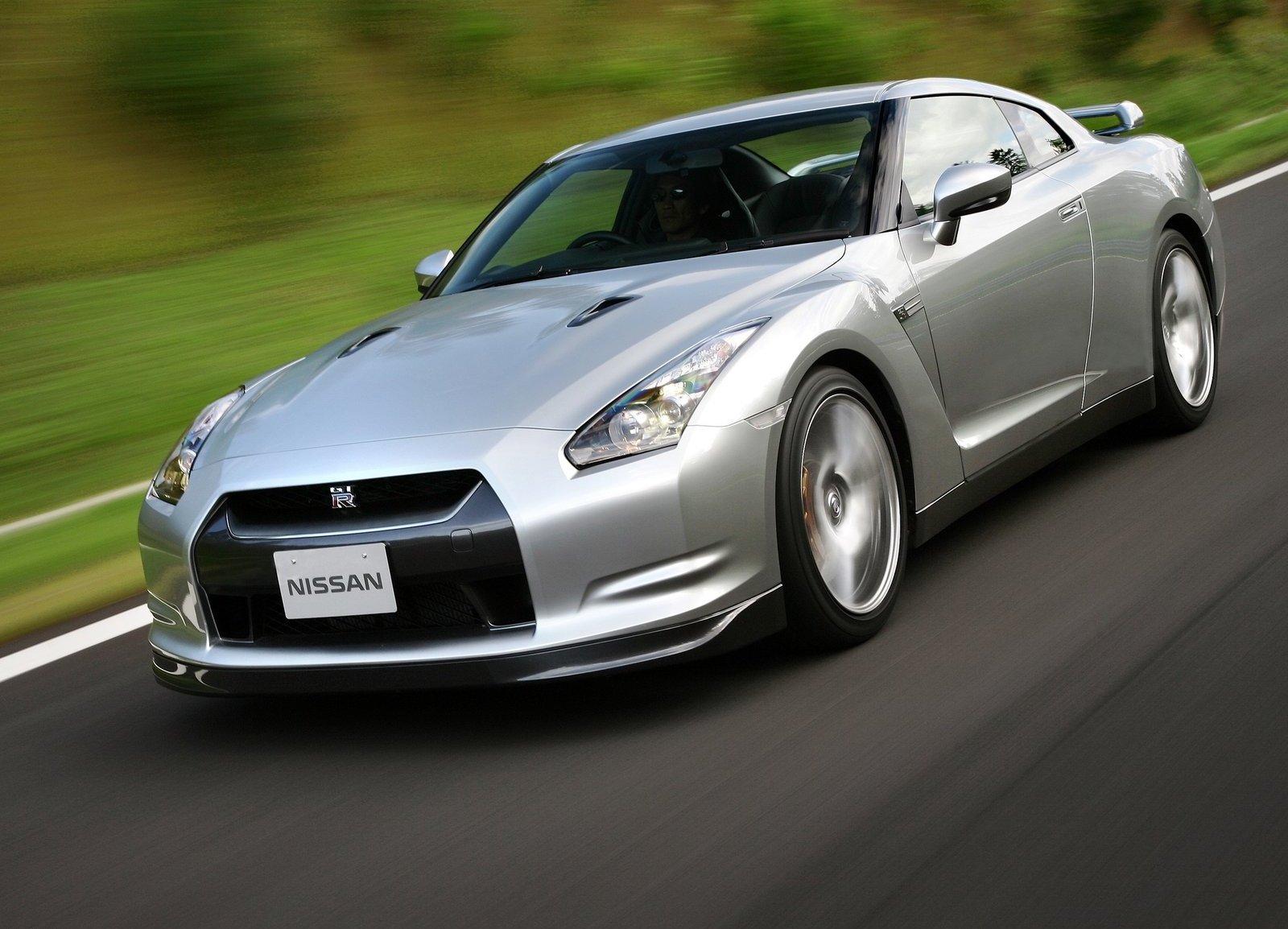 2008 Nissan GT-R silver