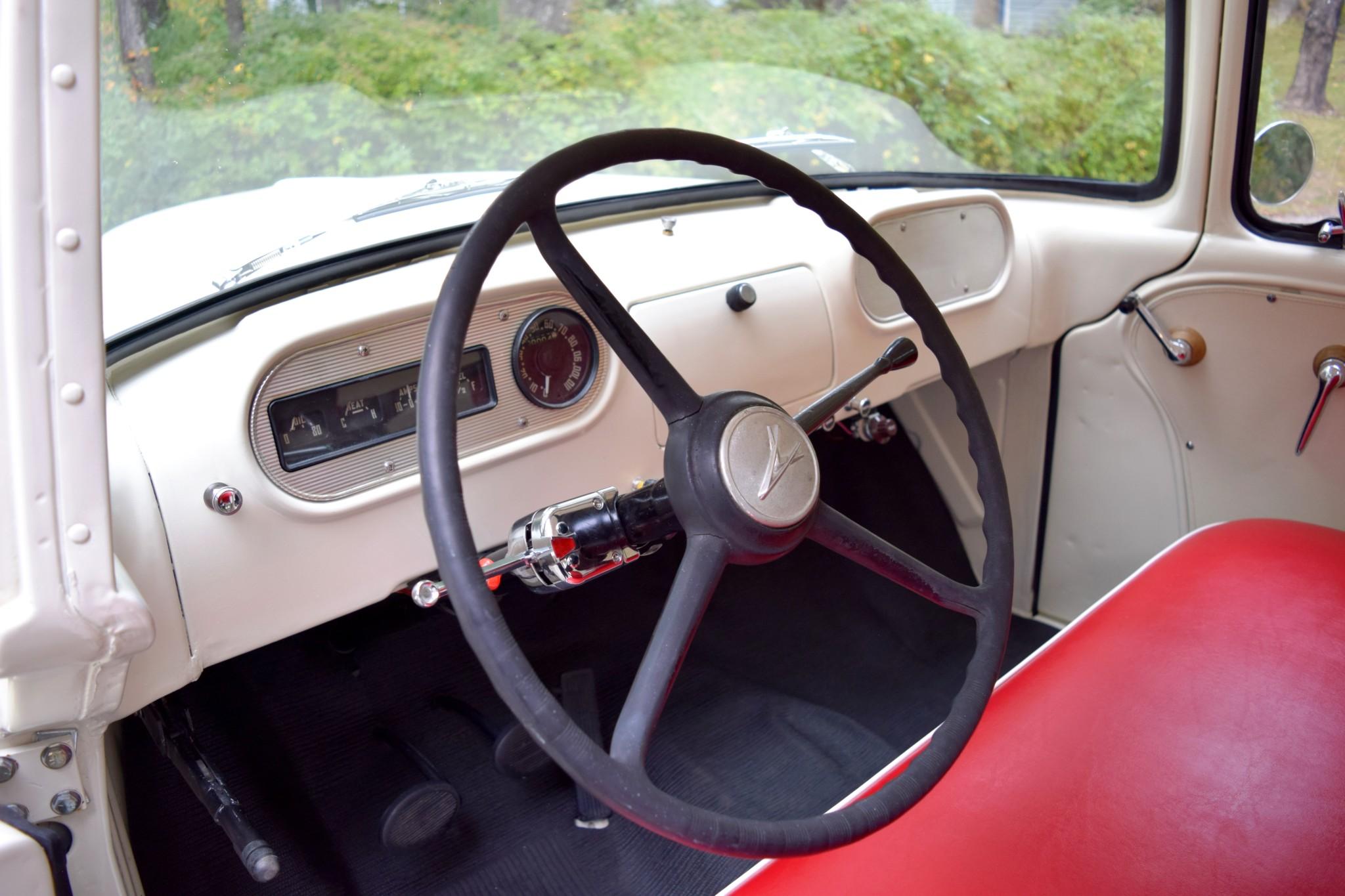 1957 Dodge D100 Sweptside steering wheel
