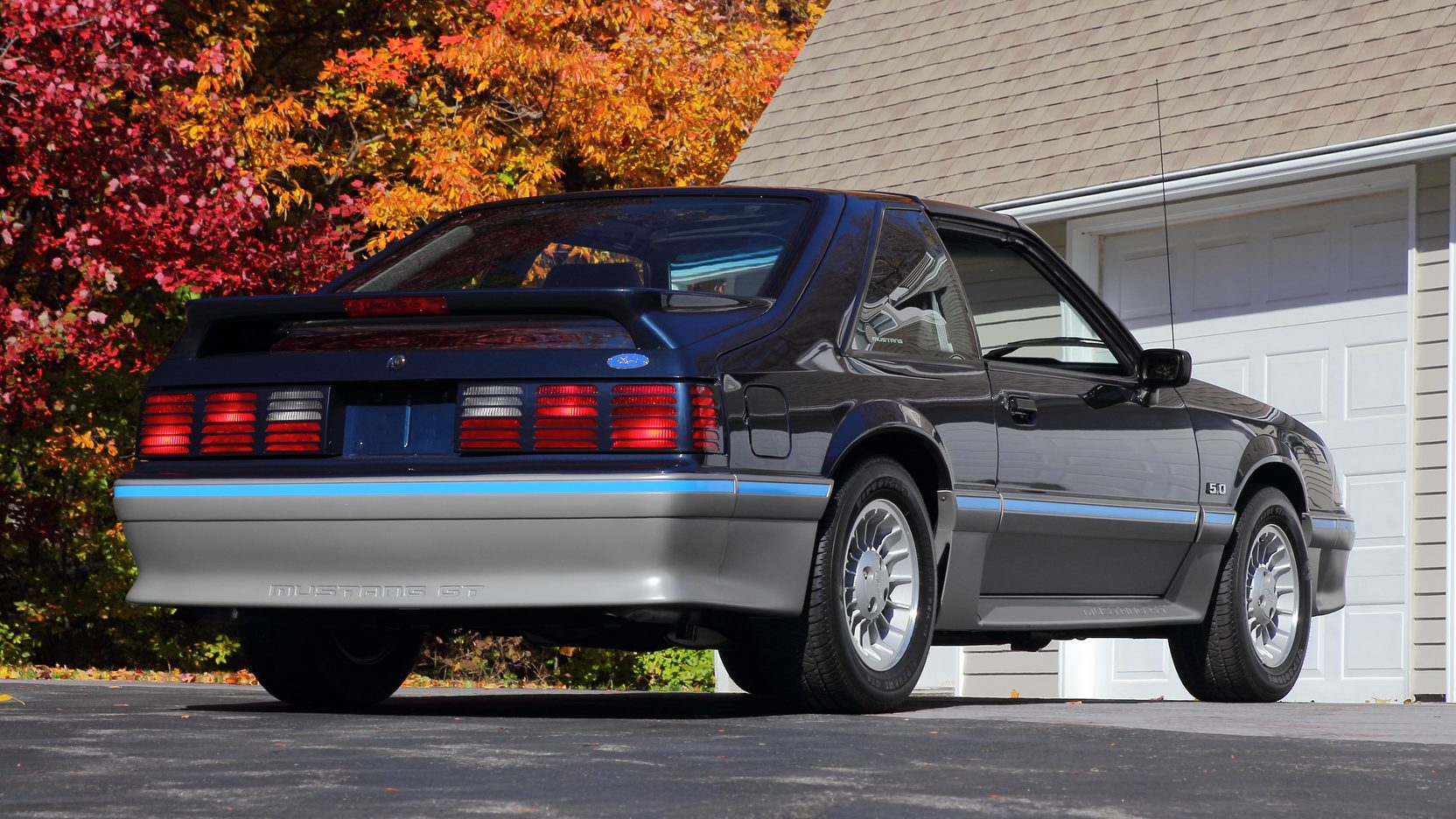 1988 Ford Mustang GT rear 3/4