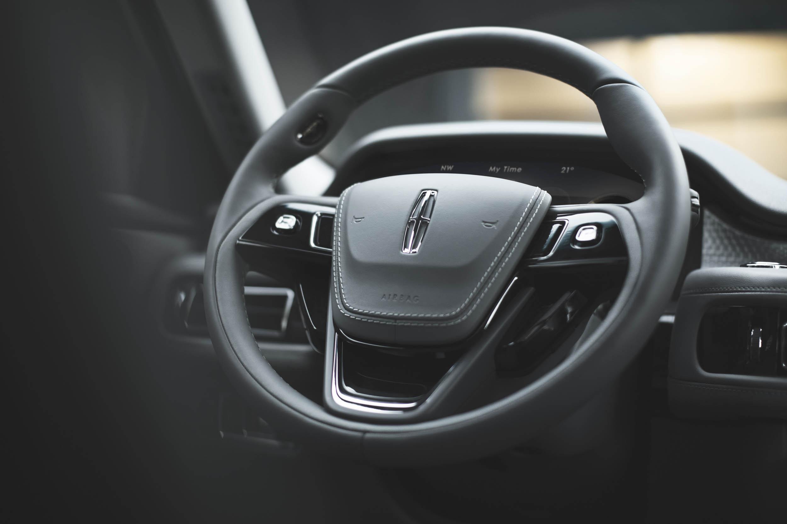2020 Lincoln Aviator steering wheel