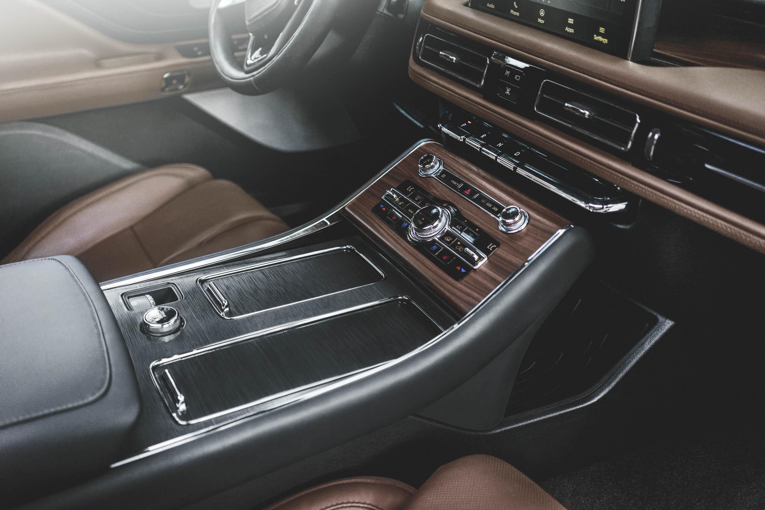 2020 Lincoln Aviator interior details