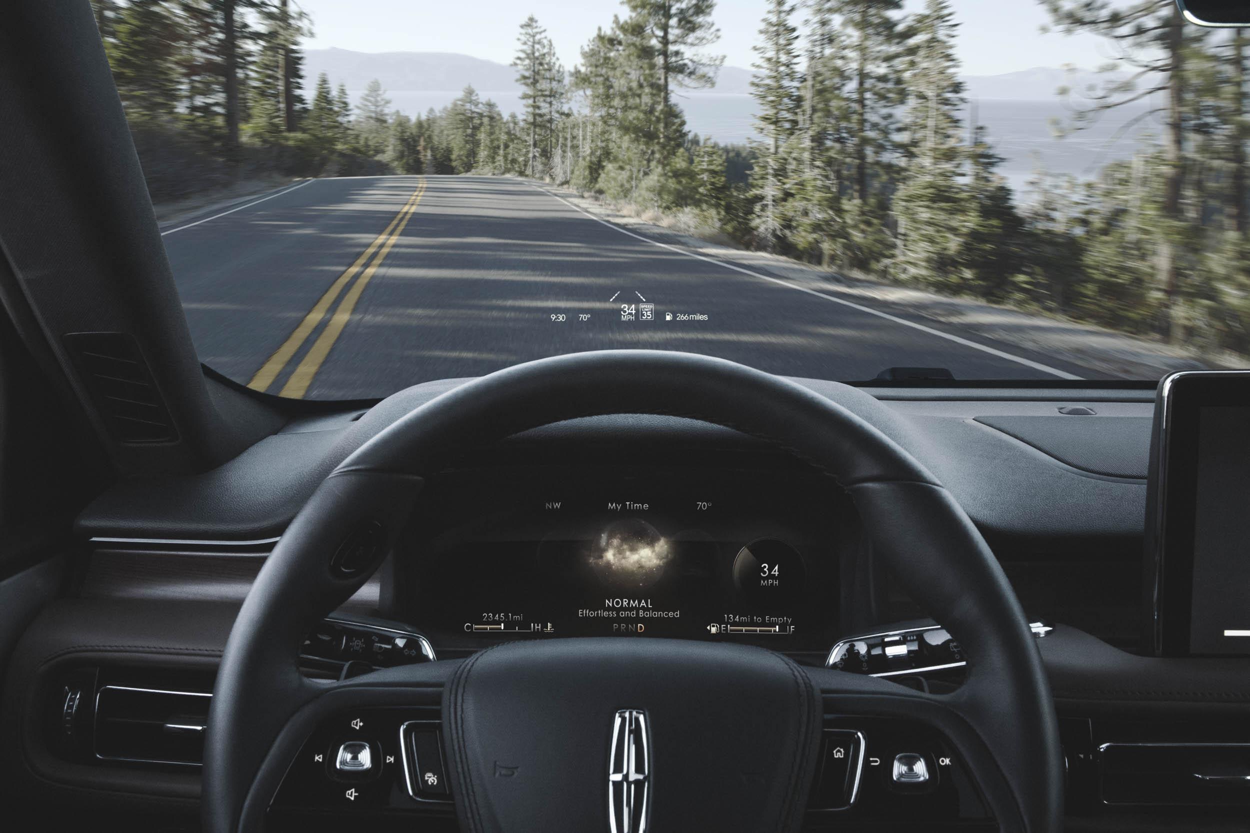 2020 Lincoln Aviator heads up display