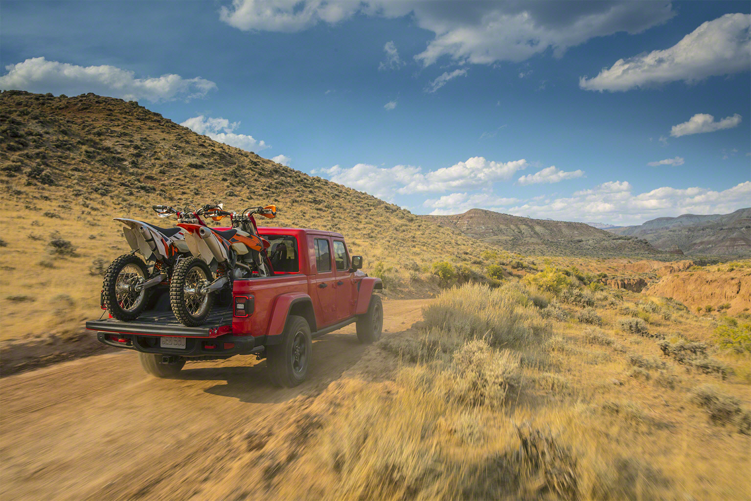 2020 Jeep Gladiator dirt bikes bed