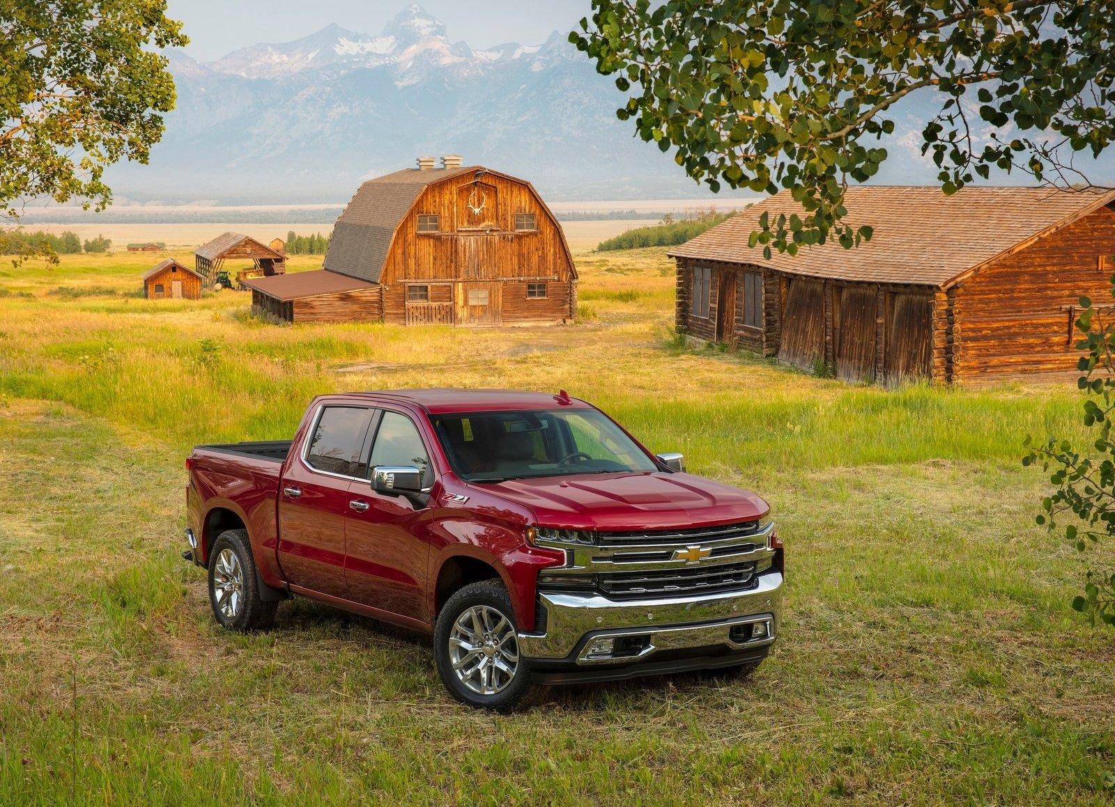 2019 Chevrolet SIlverado red barn