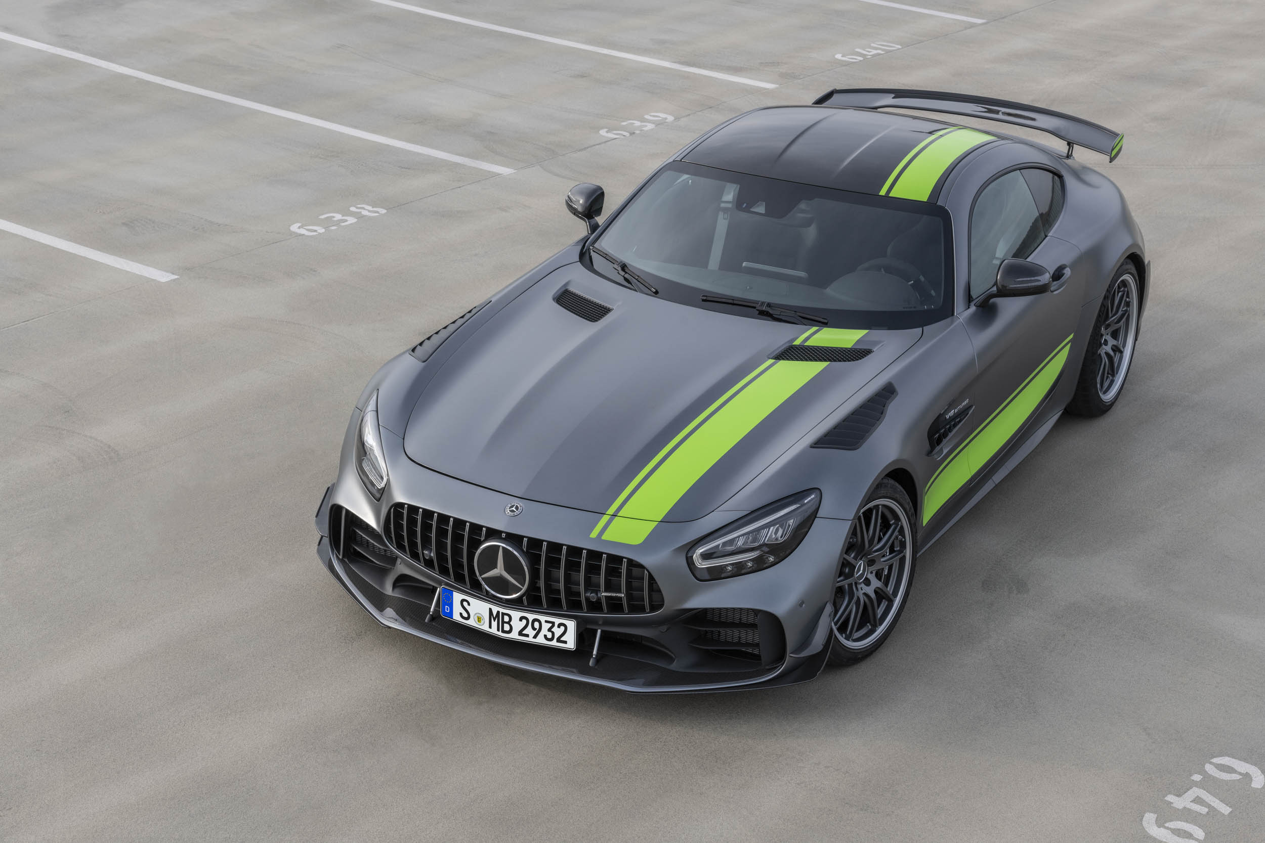 Mercedes-AMG GT R Pro overhead