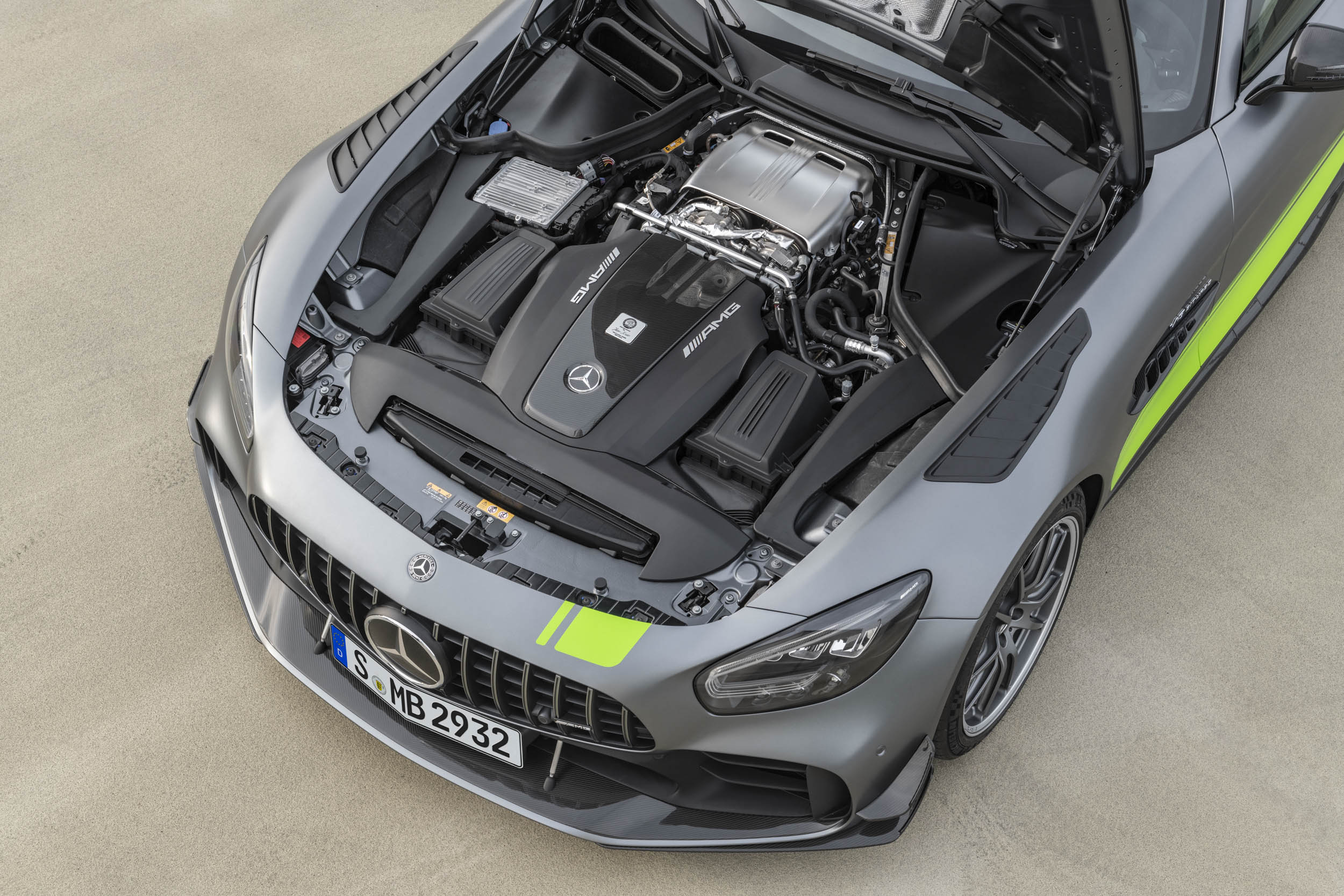 Mercedes-AMG GT R Pro engine