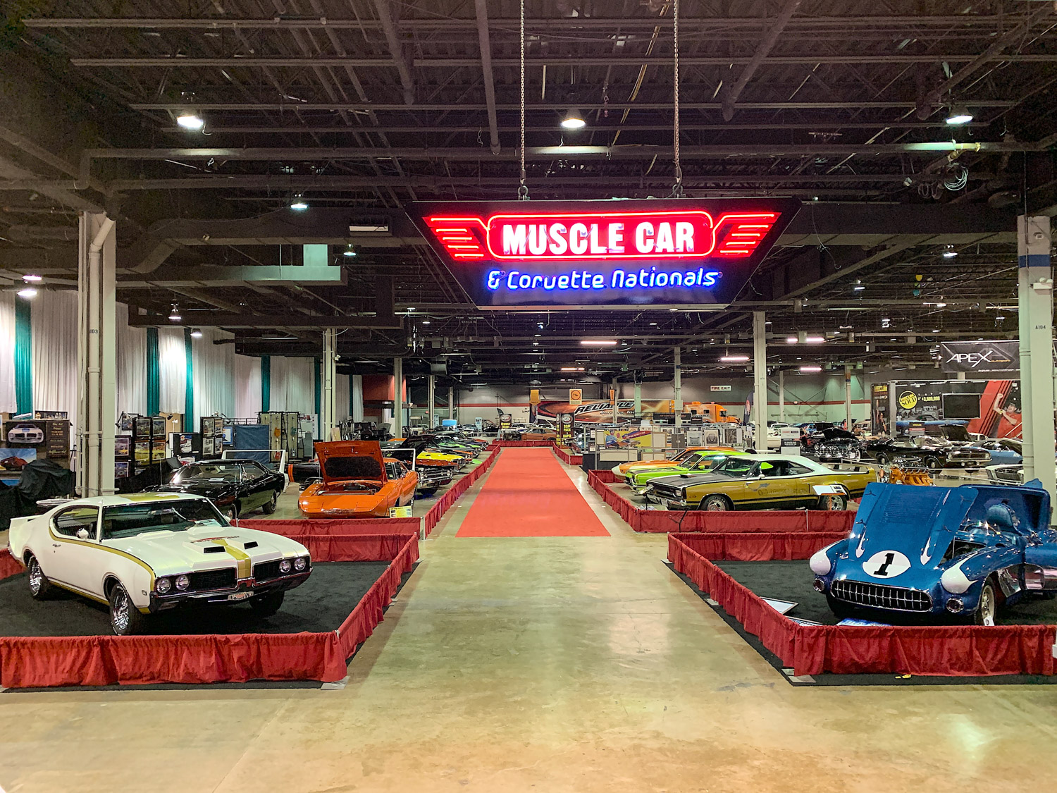 The 7 coolest cars from the 2018 Muscle Car and Corvette Nationals thumbnail