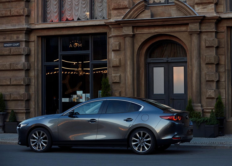 2019 Mazda 3 front 3/4