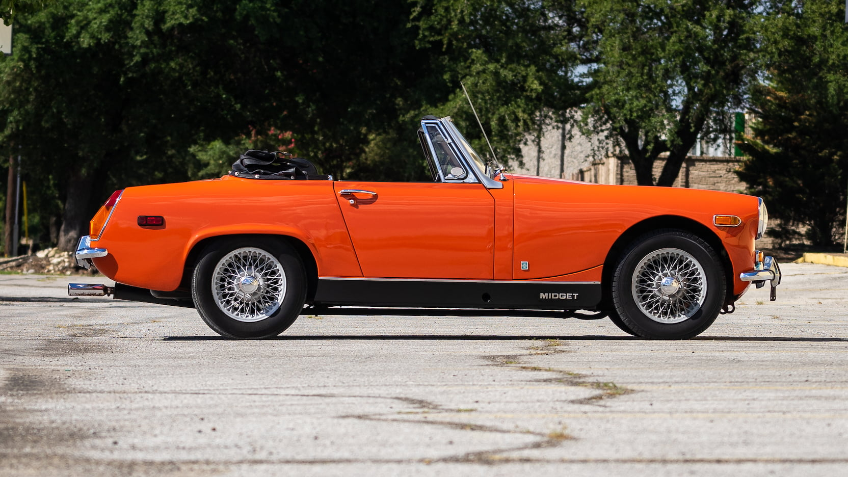 1971 MG Midget profile
