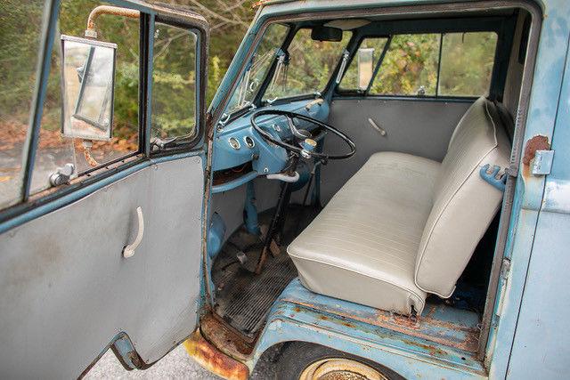 1962 Volkswagen Vanagon interior driver