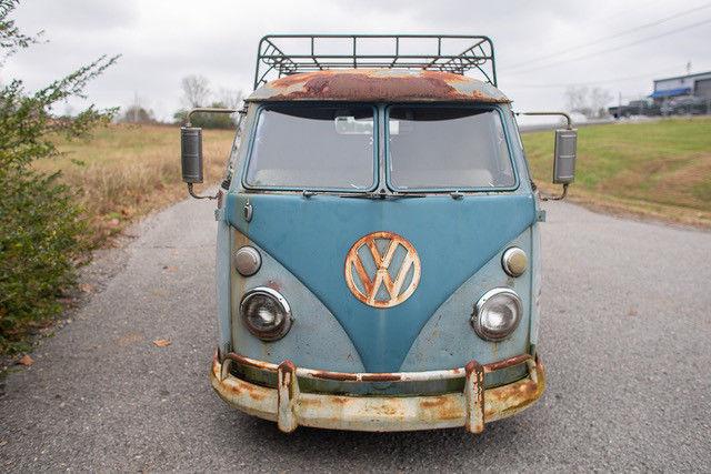 1962 Volkswagen Vanagon front end