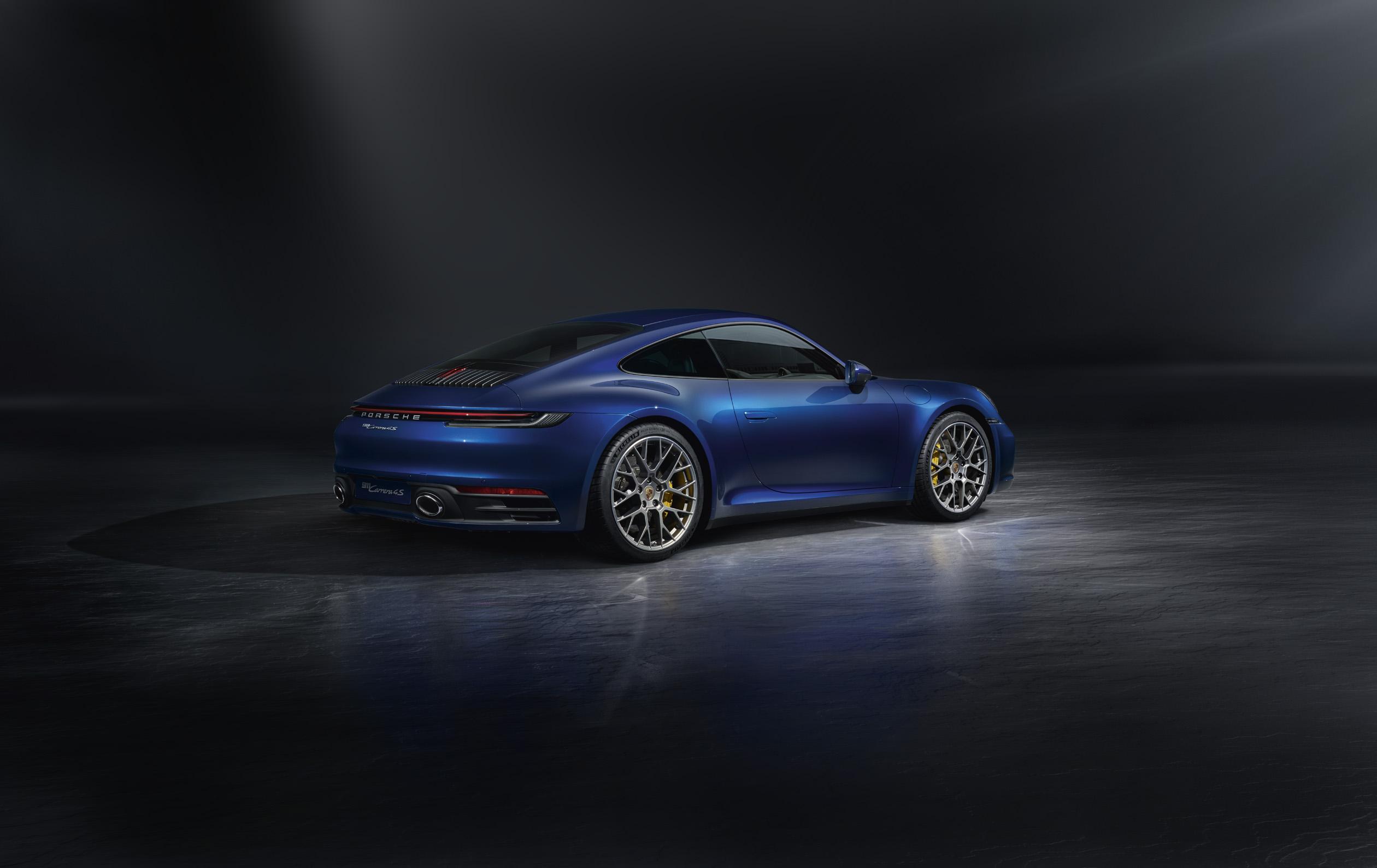 2020 Porsche 911 (992) rear 3/4