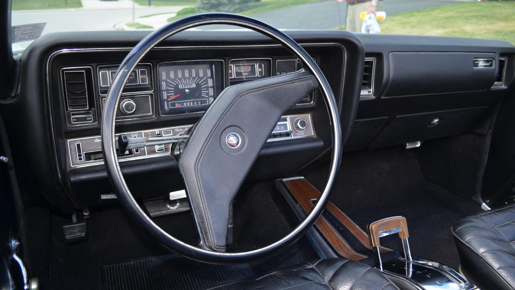 1970 Buick Wildcat interior steering wheel