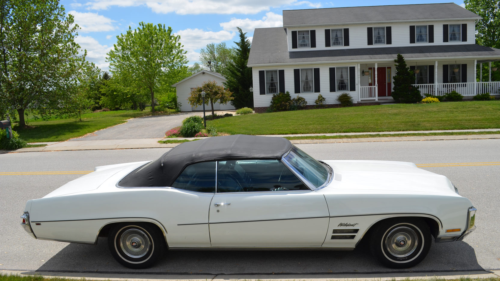 1970 Buick Wildcat side profile