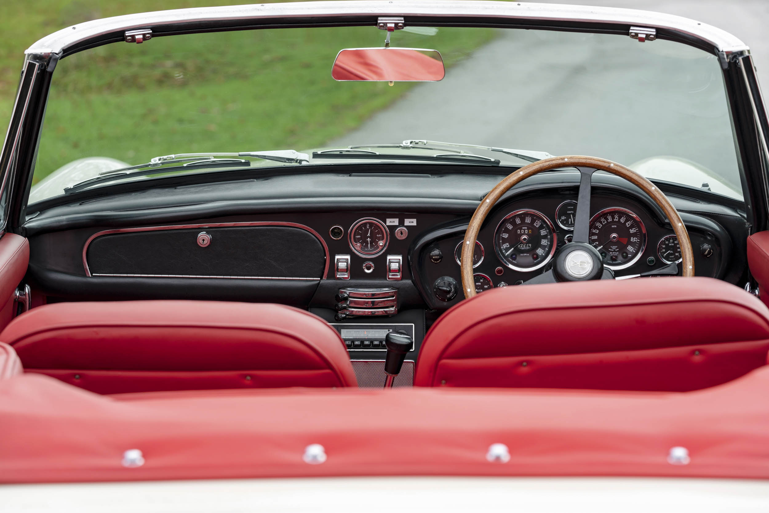 1970 DB6 MkII Volante interior