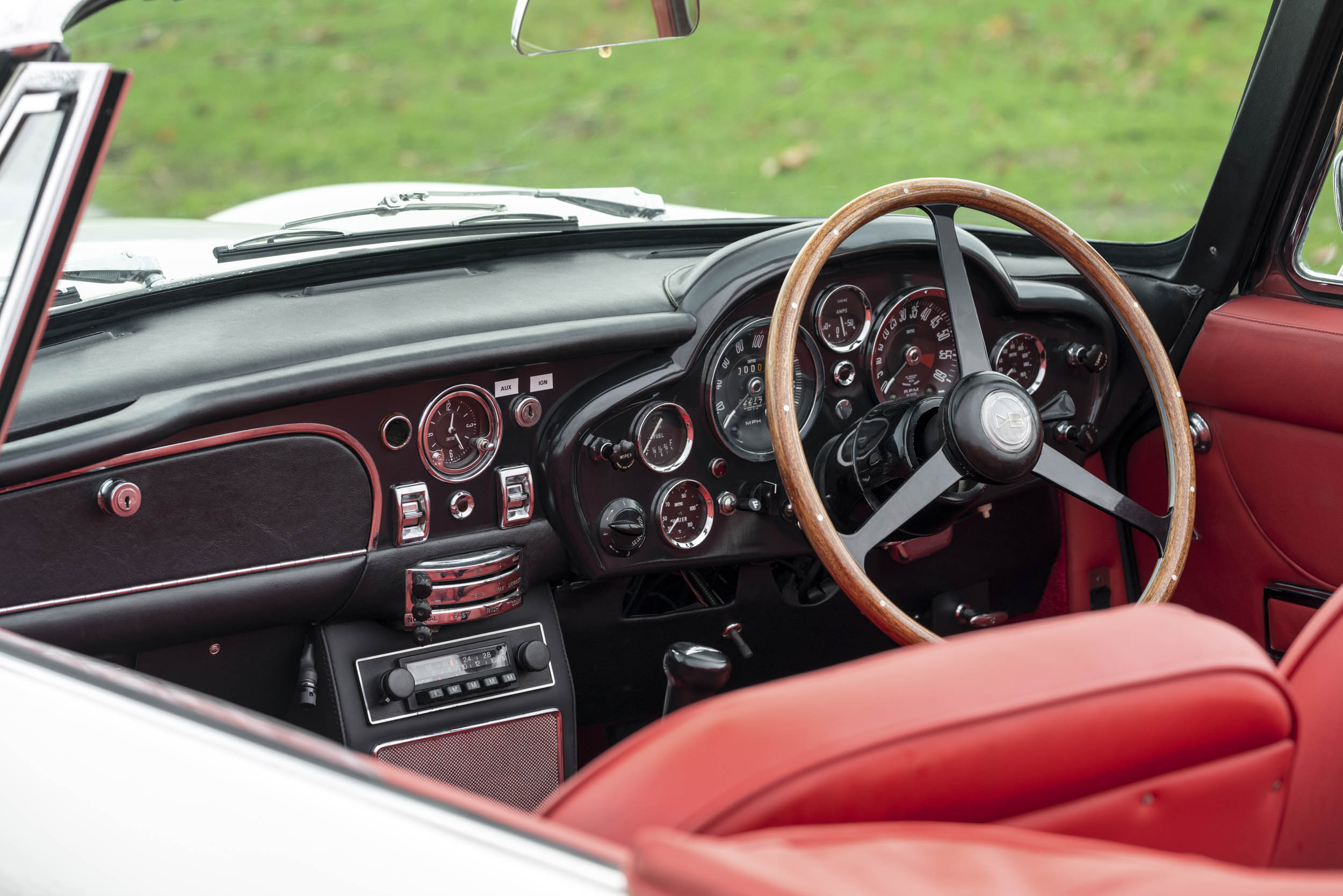 1970 DB6 MkII Volante EV dash