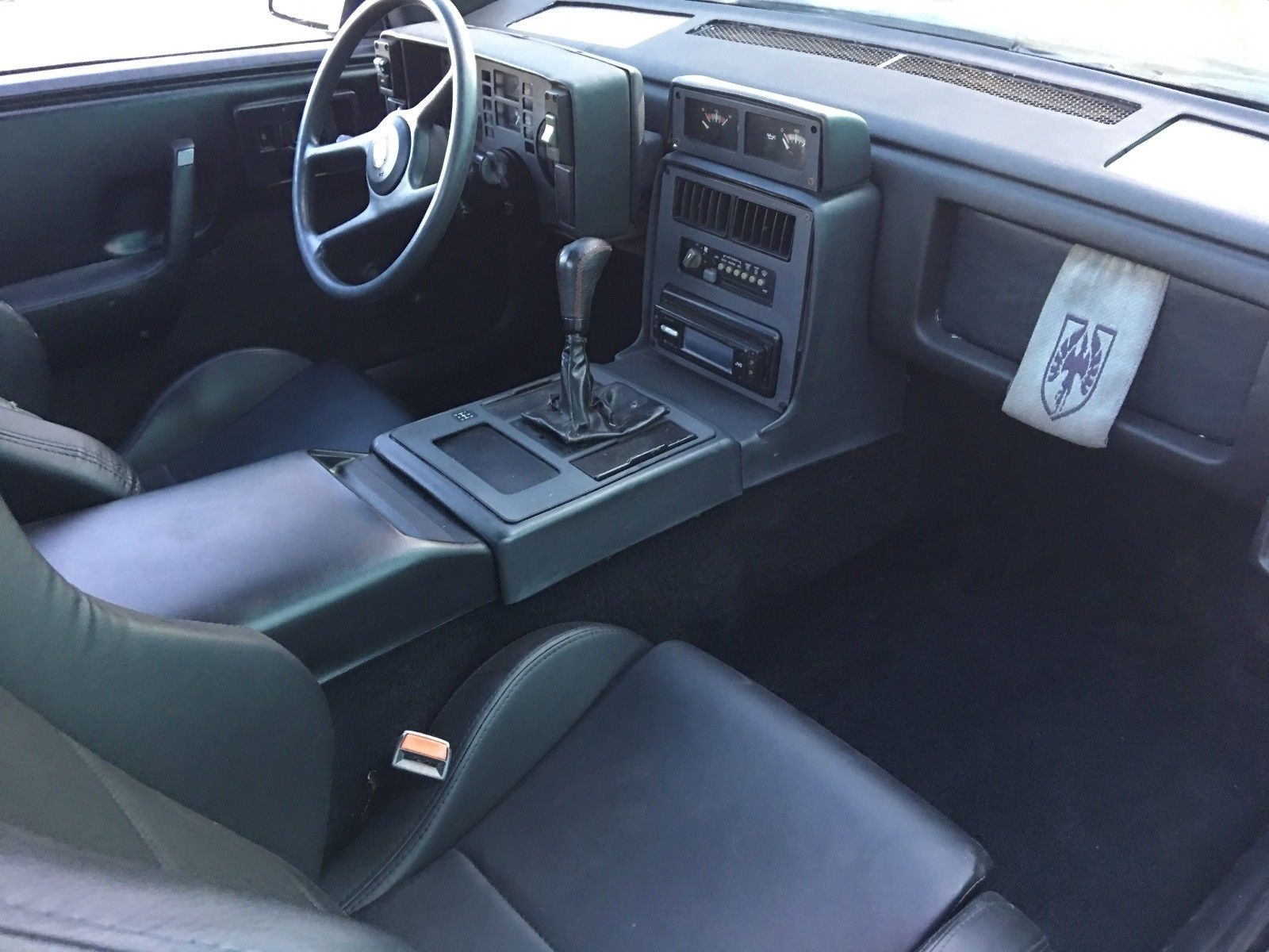 1986 Pontiac Fiero dash