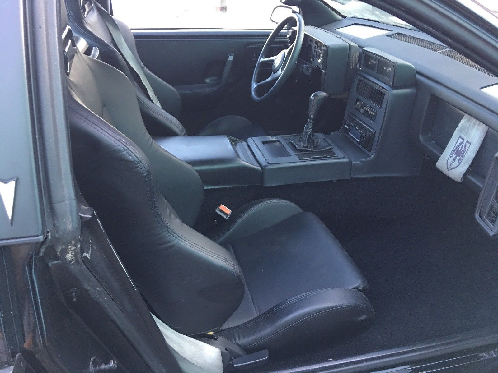 1986 Pontiac Fiero seats