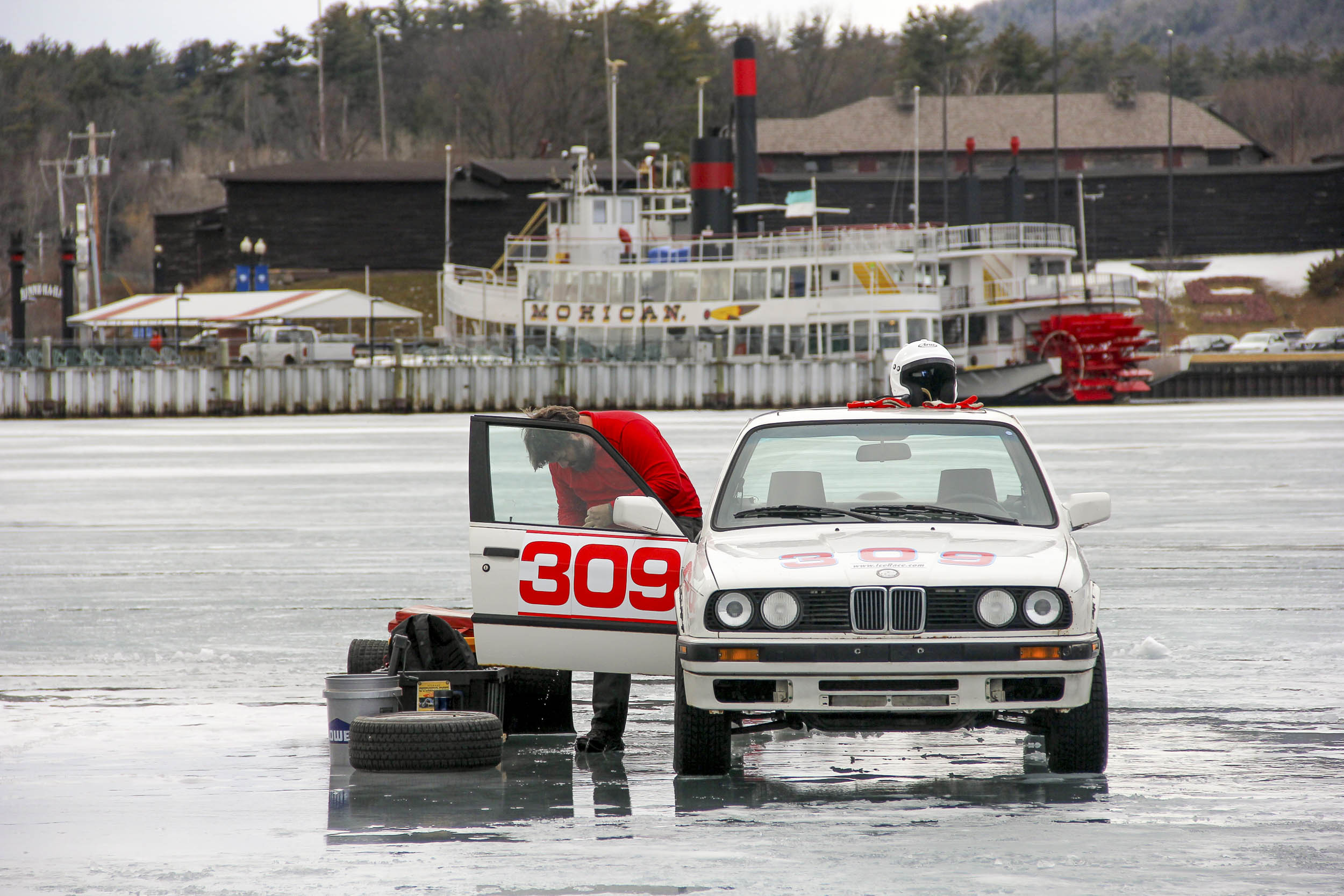 ice racing BMW