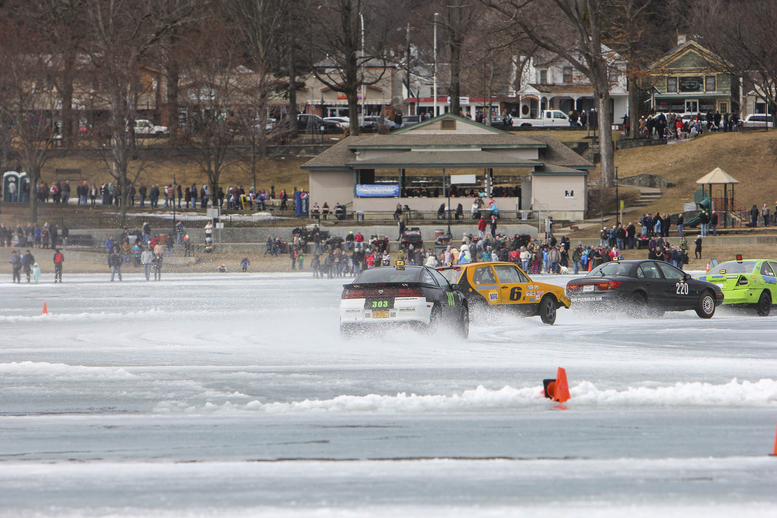 ice racing draws a crowd
