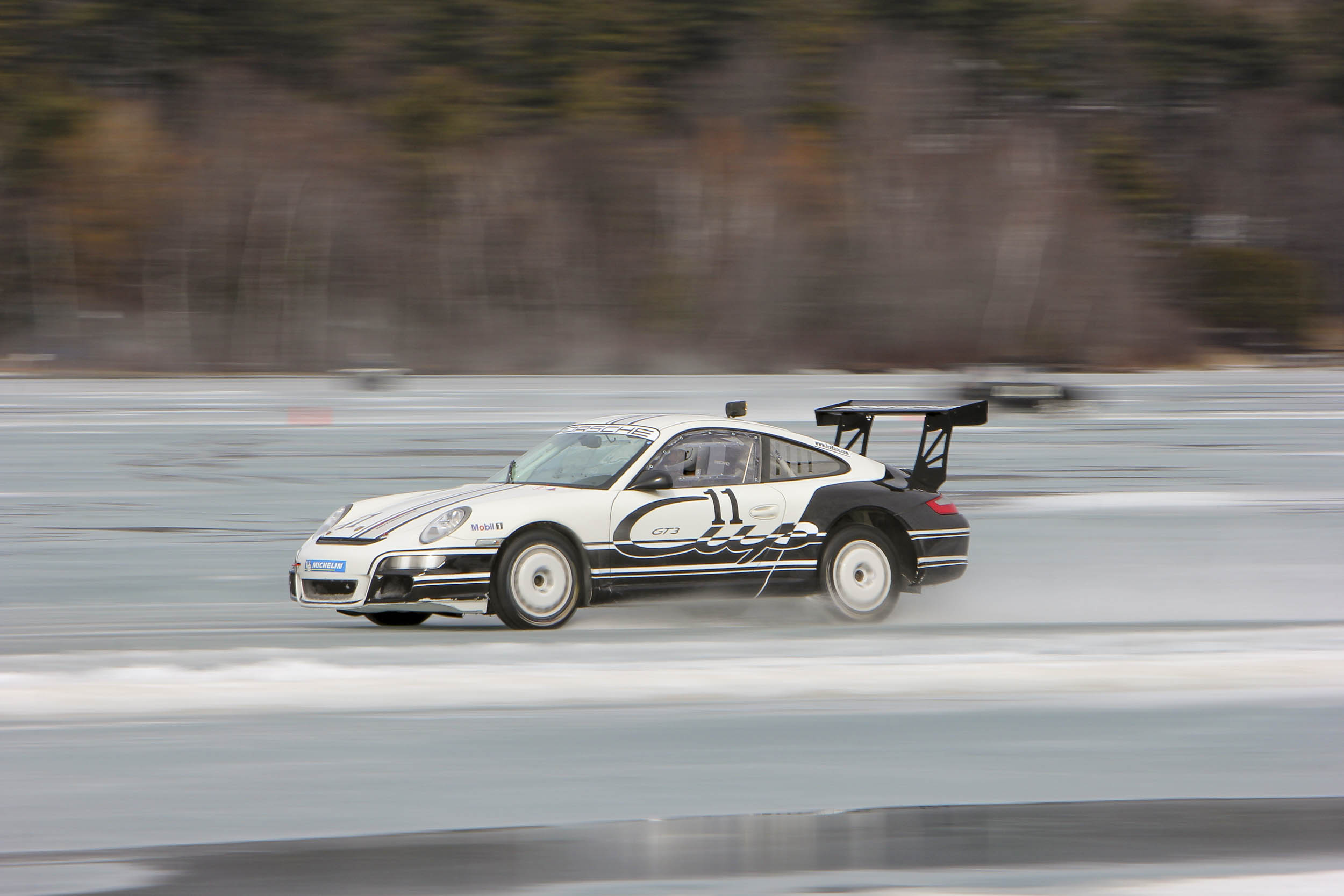 Porsche 911 GT3 driving on ice