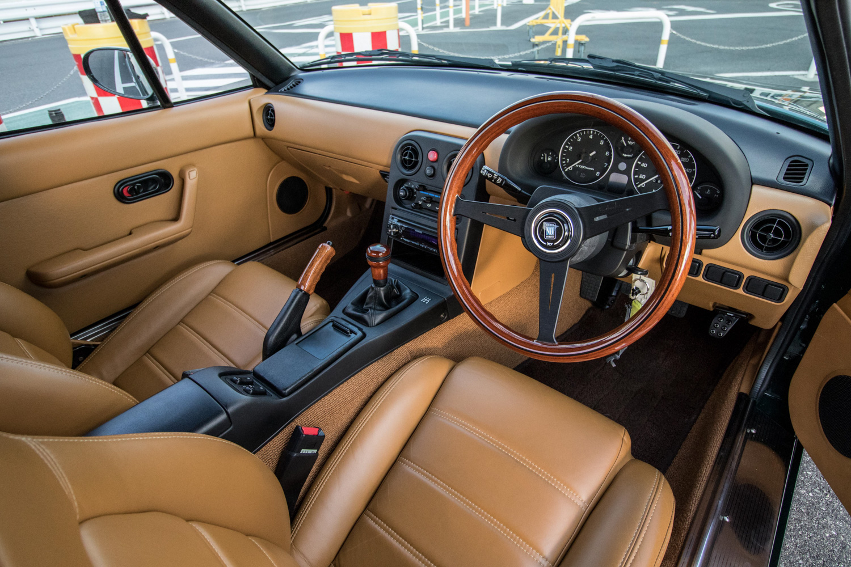 NA miata restoration brown interior steering gauges