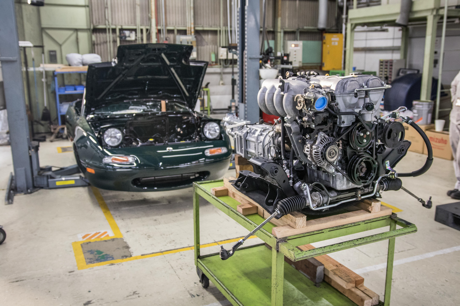 NA miata restoration engine out on stand