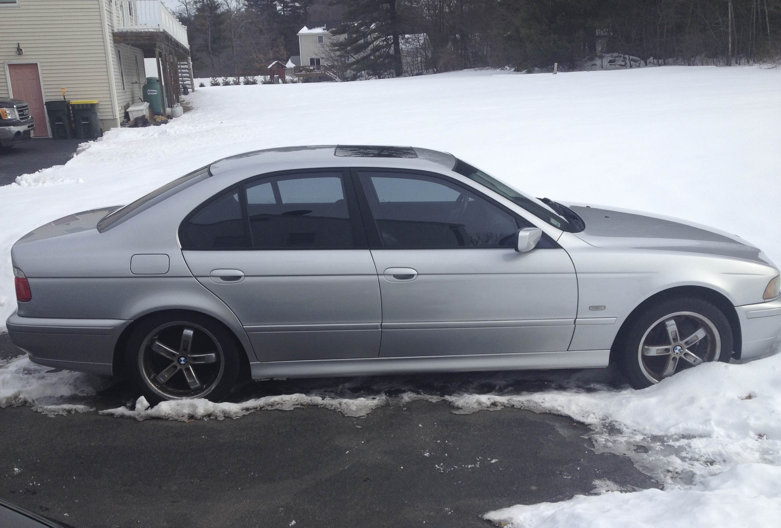The 530i, despite being partially imprisoned by snow, looked promising, except for those horrible wheels.