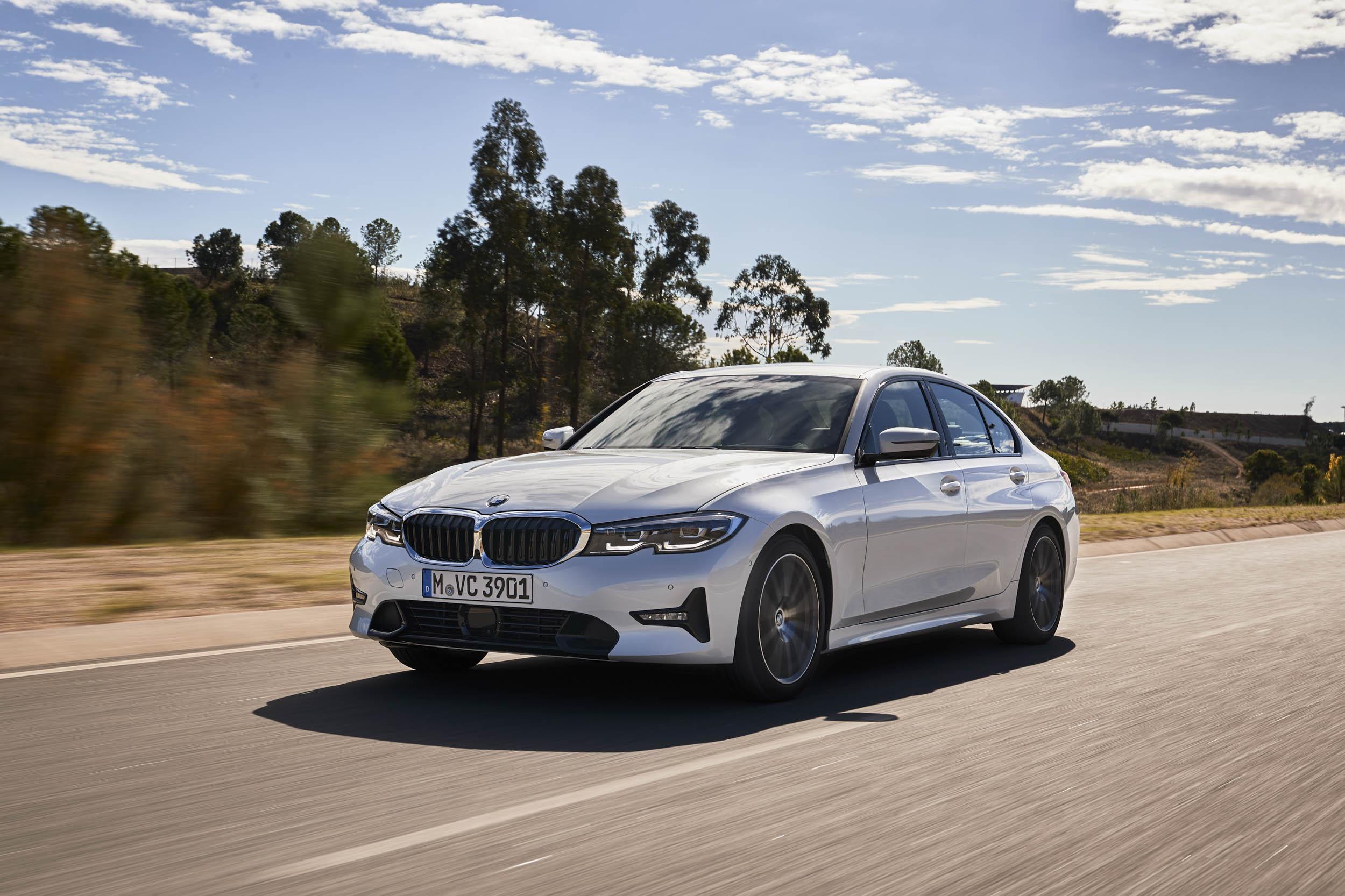 2019 BMW 320d Sport Line front 3/4